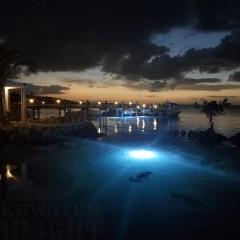caribbeanblueunderwaterdocklightsbyunderwaterfishlight-2000x1500-1